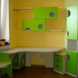 Оригинальный стол в детскую комнату SD-204