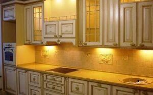 Светлая кухня из дерева KD-194