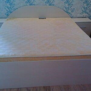 Светлая кровать для спальной комнаты KS-265
