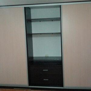 Вместительный шкаф-купе для гостиной SHKG-428