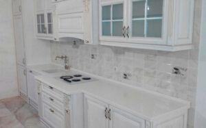 Белая кухня в классическом стиле BKK-010
