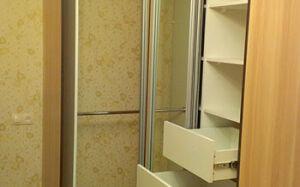 Угловой вместительный шкаф-купе USHK-427
