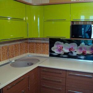 Встроенная кухня салатово-коричневого цвета VK-344