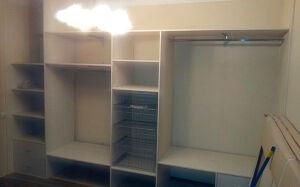 Светлый шкаф-купе для прихожей SHKP-126