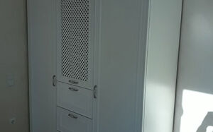 Компактный шкаф для детской комнаты SHD-404