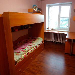 Классическая двухъярусная кровать в детскую DDK-172
