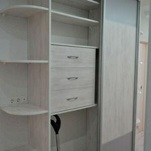 Компактный шкаф-купе в прихожую SHKP-432