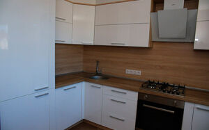 Глянцевая белая кухня GK-442