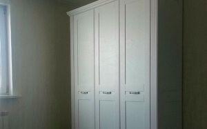 Классический шкаф в спальню SHS-306