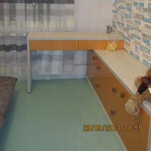 Стол в детскую SD-084