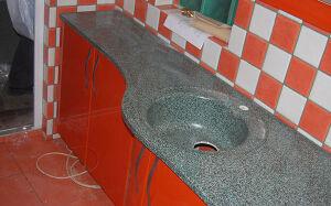 Красная мебель в ванную KMV-060