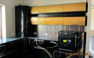 Угловая глянцевая кухня UGK-016