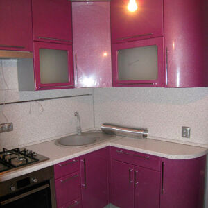 Малиновая кухня их эмали KE-181