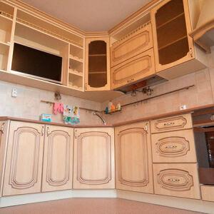 Кухня с рамочным фасадом в классическом стиле KRF-353