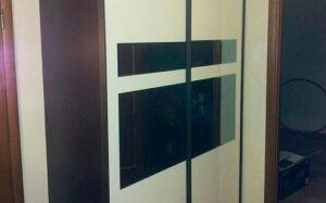 Шкаф-купе в прихожую с зеркалами SHKP-132