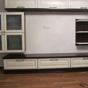 Черно-белая корпусная мебель в гостиную KMG-101