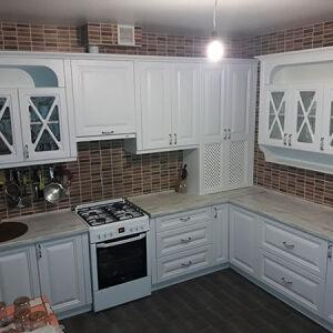 Угловая кухня белого цвета UK-108