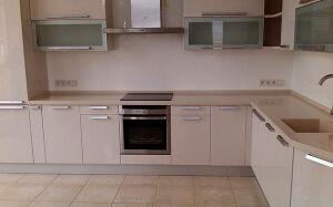 Светлая кухня МДФ KMDF-355