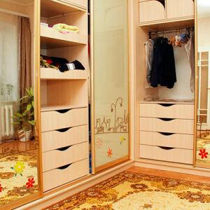 Компактный шкаф для спальни SHS-261