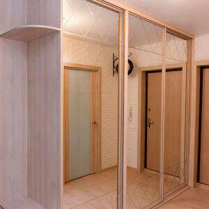 Зеркальный шкаф-купе в прихожую SHKP-431