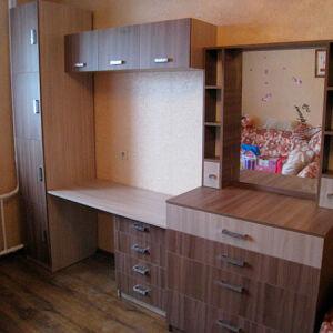 Коричневая модульная мебель в детскую DMM-177