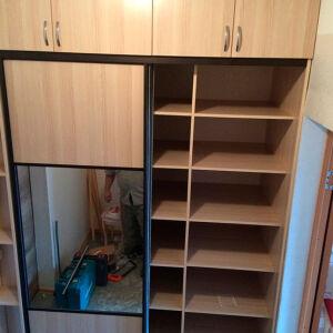Классический шкаф для прихожей SHP-372