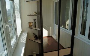 Вместительный шкаф-купе на балкон SHKB-147