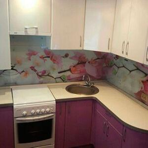 Компактная угловая кухня UK-366