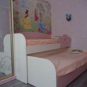 Белая двухъярусная кровать в детскую комнату DDK-111