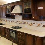встроенная кухня из дерева