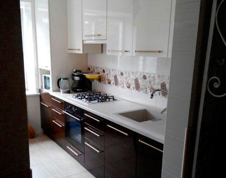 Маленькая встроенная кухня MVK-012