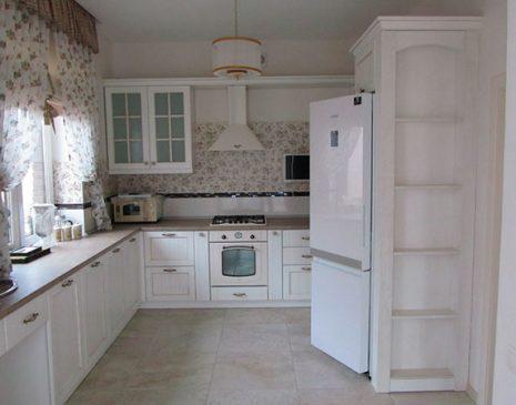 Классическая кухня из дерева KKD-013