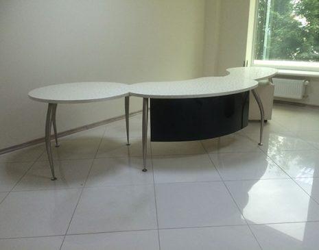Глянцевый офисный стол GOS-040