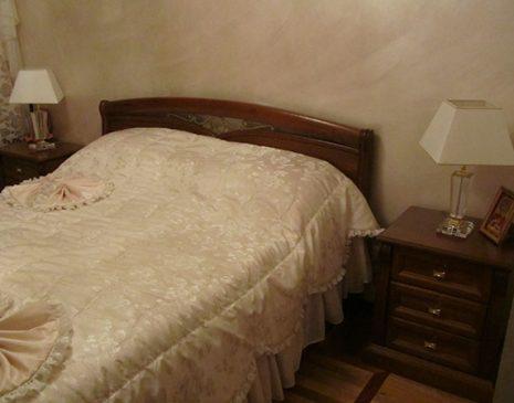 Темная кровать для спальной KS-090