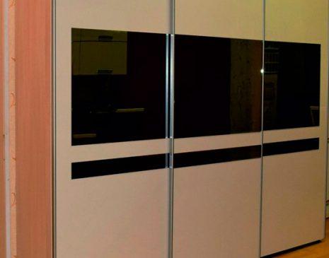 Черно-белый классический шкаф-купе KSHK-127