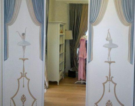Оригинальный шкаф-купе в спальню SHKS-133