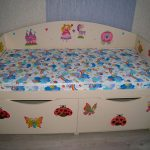 Детская кровать с рисунком