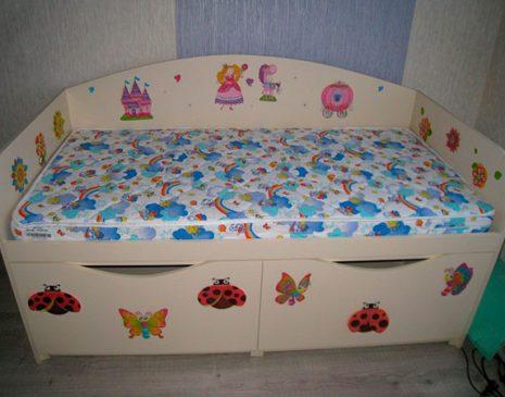 Детская кровать с рисунком DK-187
