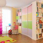 Разноцветный шкаф в детскую комнату