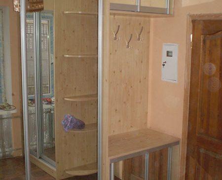 Встроенная прихожая с зеркальными дверцами VP-247