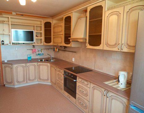 Угловая кухня классического дизайна UK-346