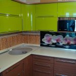 Встроенная кухня зеленая