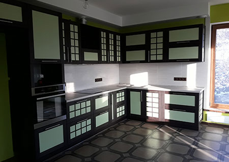Яркая кухня из пластика KP-394