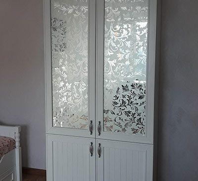 Красивый шкаф в детскую комнату SHD-401
