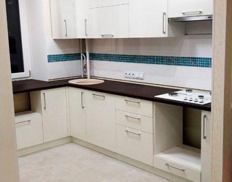 Глянцевая угловая кухня KG-491