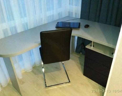 Компьютерный стол в детскую комнату KS-478