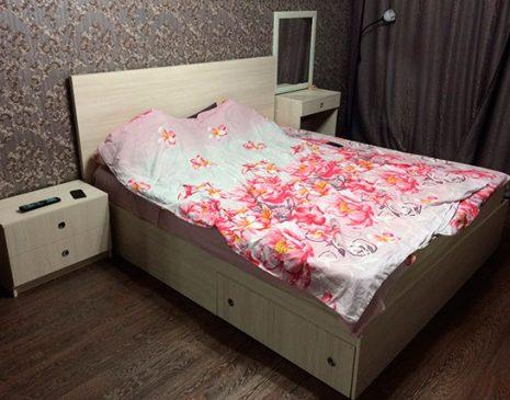 Кровать в спальню с выдвижными ящиками KS-390