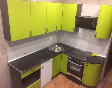Кухня из пластика салатового цвета KP-363