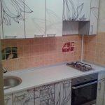 Глянцевая кухня с рисунком