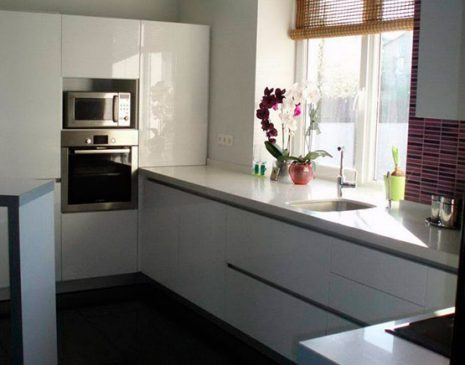 Белая кухня из эмали KE-316